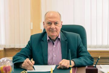 Свой день рождения празднует академик РАН